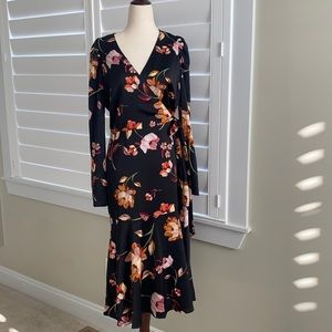 Maggy London sz 4 warm tone floral wrap fit and flare dress